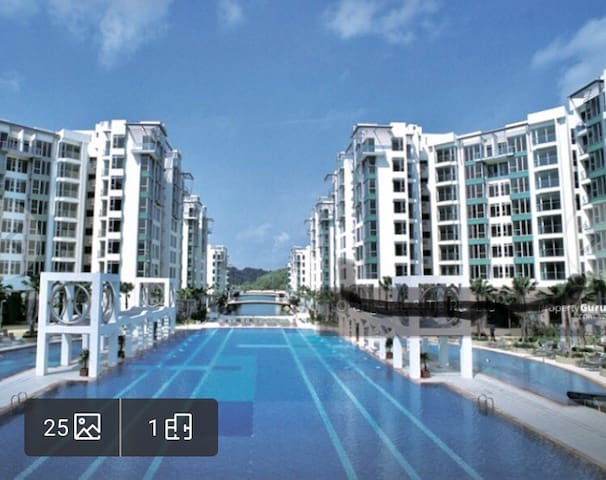Luxury Condo City Center with.Large Pool