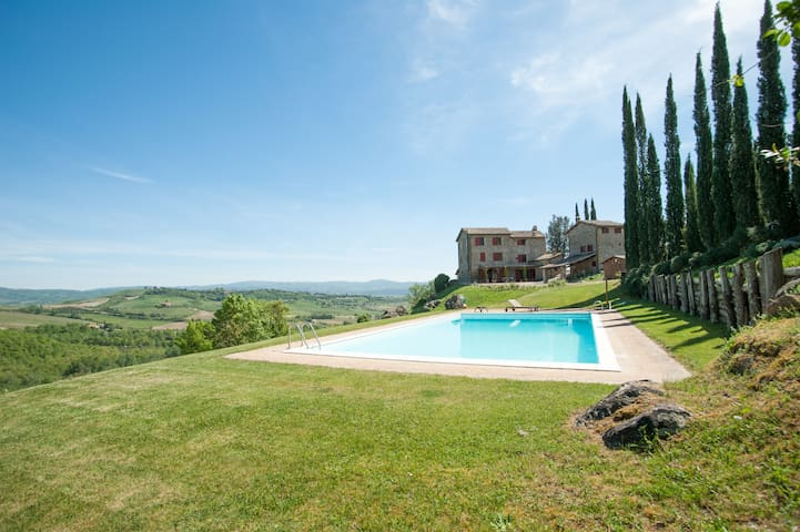Country House immersed in a Winery Estate - Orvieto - Casa