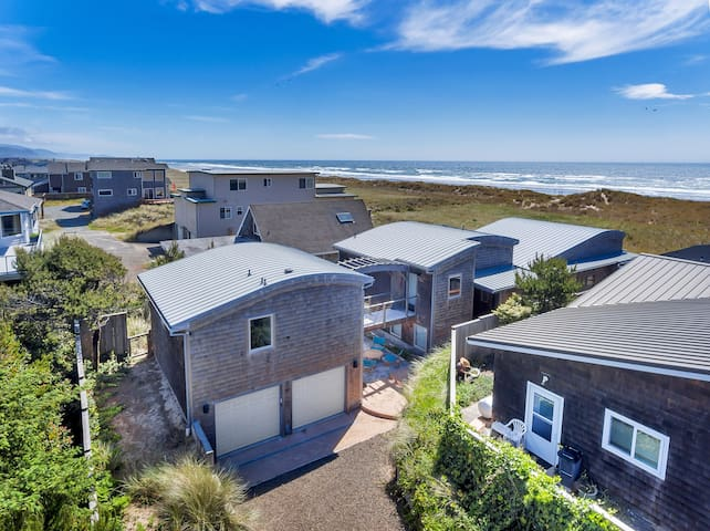 MANZANITA WAVES HOUSE: Luxury Oceanfront Home
