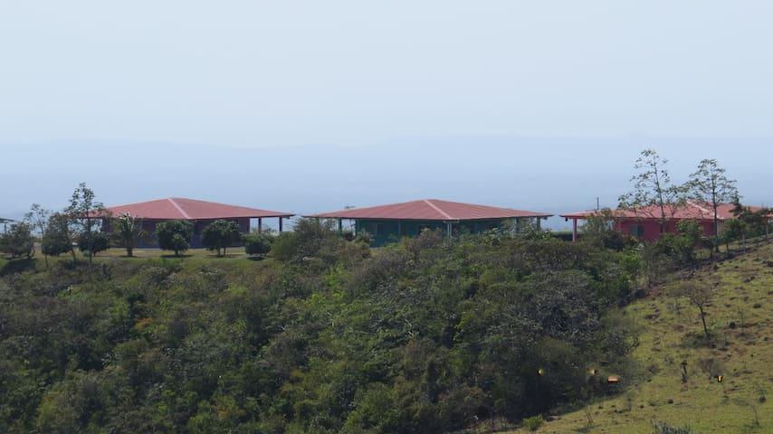 2BR Villas Near Miravalles Volcano - Guayabo