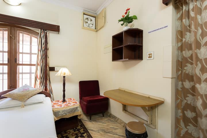 Sonnetta Residency - Spacious Double Room