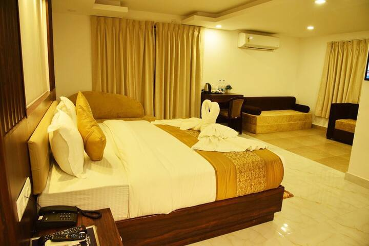 Golden BnB Rooms 2Min Ride To Candolim Beach DFR