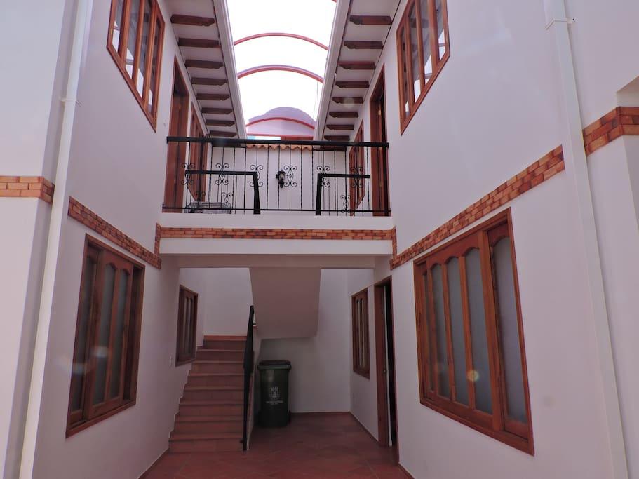 Apartamento ubicado en un segundo piso