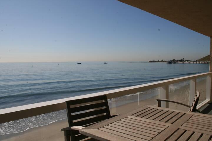 Carbon Beach Condo on the Sand - Malibu - Osakehuoneisto