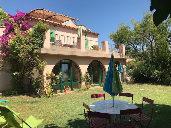 Sanary Maison climatisée, jardin cloturé,