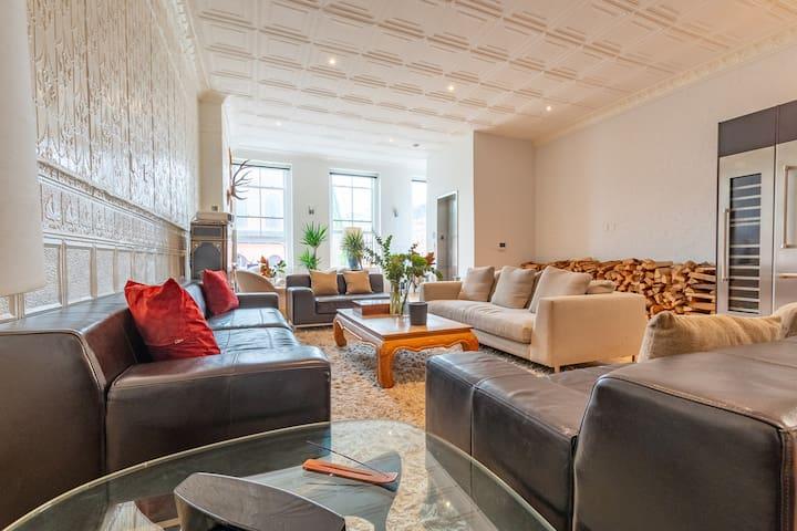 $6M Soho Loft: 2000 sq ft, 18 ft ceilings