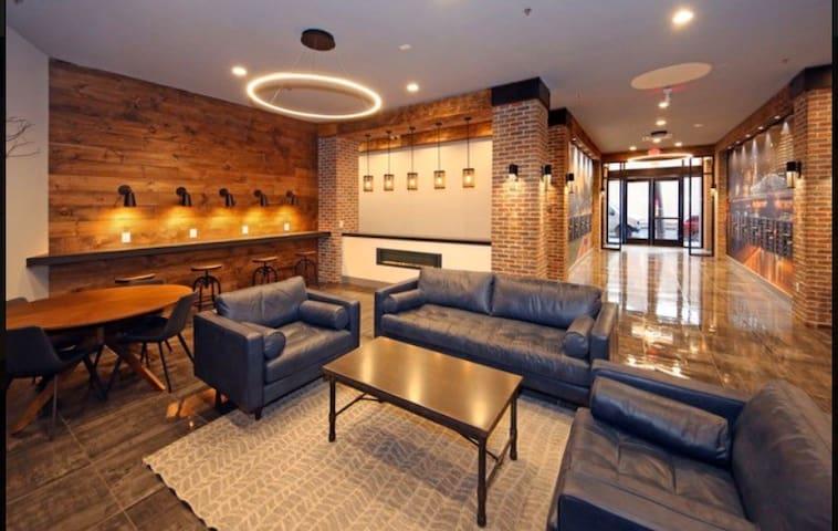 Room luxury Apartment NEWARK- NJ  / close To NYC