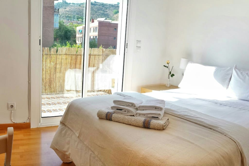 Balcony overlooking the mountain of Collserola