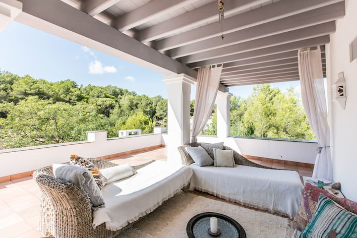 Beautiful Ibiza house, pool, forest location - Santa Gertrudis de Fruitera - Дом