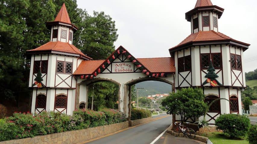 Flat Cavalinho Branco - Águas de Lindóia, SP - Águas de Lindóia - Betjent leilighet