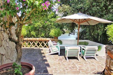 Villa sul Lago a Sabaudia - Sabaudia
