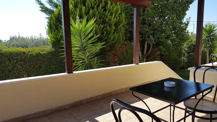 Studio for 2 adults + 1 child - pool, wifi, parking - in Kala Nera 2