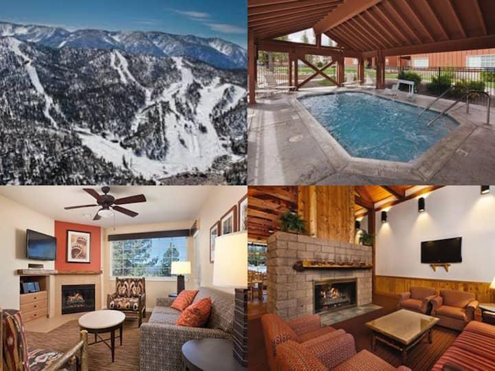 2 miles to Skiing - 2 Bedroom/2 Bath ~Hot Tub~Pool