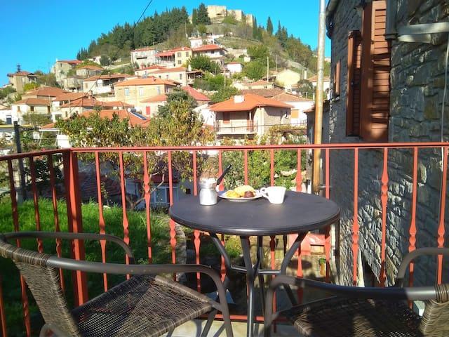 Διαμέρισμα στο Φανάρι Καρδίτσας με θέα το Κάστρο