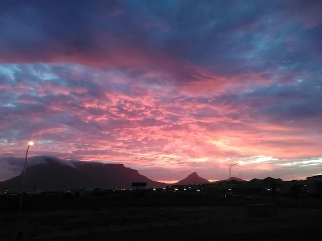 Double room in a shared flat with amazing views. - Cape Town - Leilighet