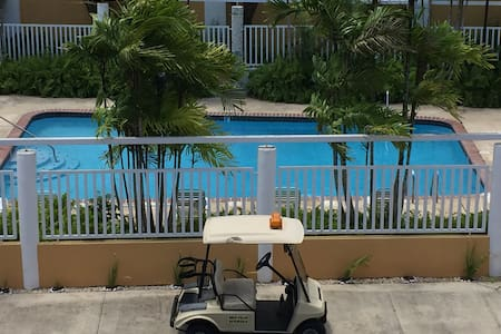 PENTHOUSE FULLY  FURNISHED, OPEN TERRACE, 2 PKG'S - Dorado - Apartment