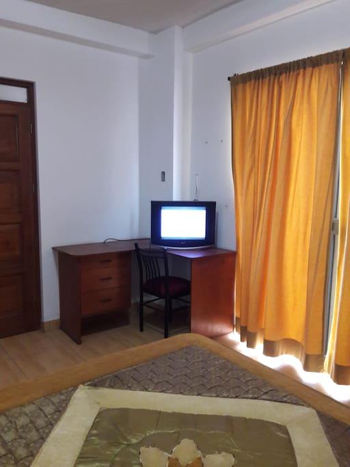 Escritorio habitación 2