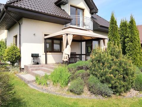 Rewska Przystań - dom z balią ogrodową i sauną