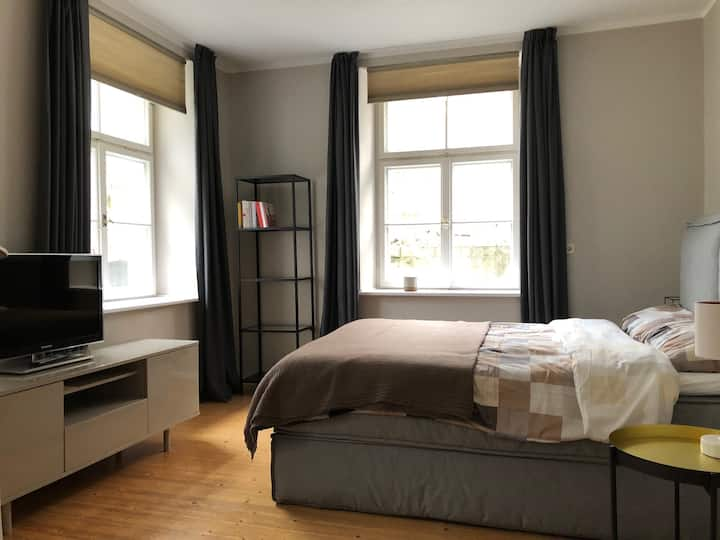 55 m² helle 2-Zi.-Souterrain Whg. , beste Wohnlage