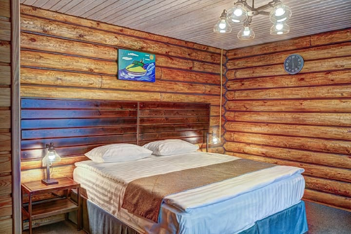 Люкс с видом на лес в эко-отеле Байкальское шале