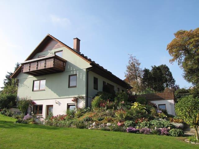 Gemütlich Wohnen in Ochsenhausen (2 - 4 Personen) - Ochsenhausen - อพาร์ทเมนท์