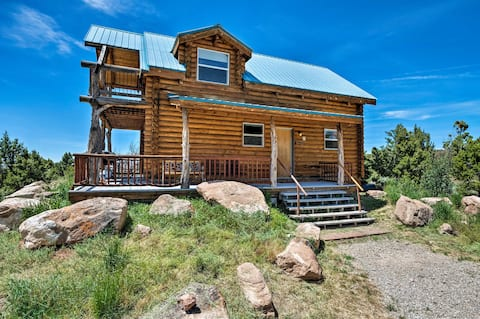 Pet-friendly Moab Cabin w/ Mtn Views & BBQ!