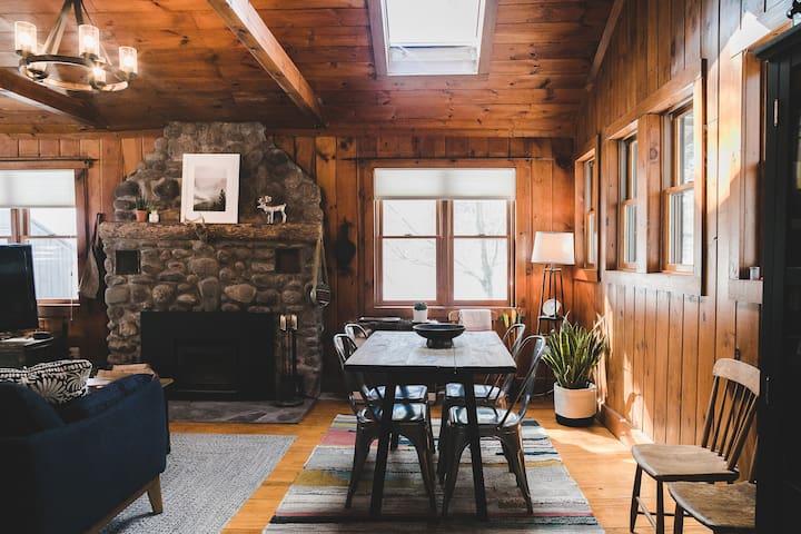 Cozy Creekside Cabin in the Catskills