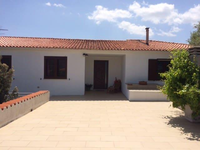 Villa in borgo rurale - Putzolu - Villa