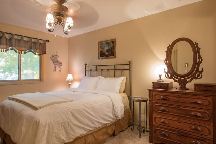 The private master suite offers a queen size Sleep Number bed with individual controls for each side. Each bedroom includes down comforters, high thread count linens and a variety of pillow types to guarantee a comfortable nights sleep.