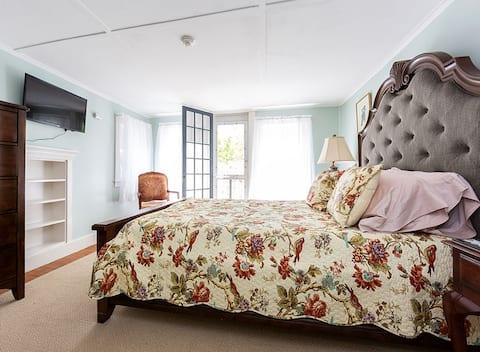 Otter Cliffs Suite- Elmhurst Inn