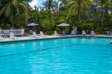 VALUE DEAL! Secluded Keys Getaway for Up to 4!