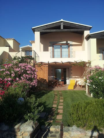 Cozy Beach House in Sardinia, near Costa Smeralda. - Porto San Paolo - Rumah