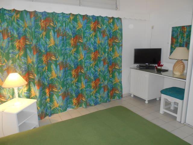 STUDIO RÉSIDENCE  TROPICALE MOULE - GP - Apartamento