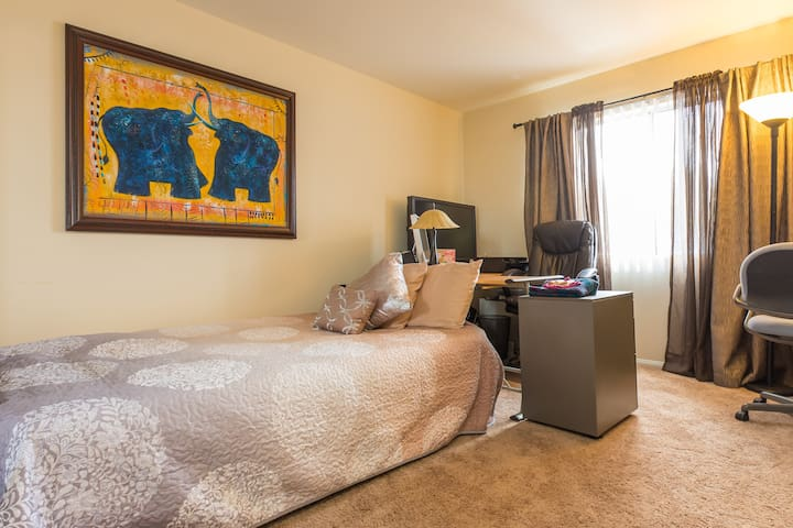 Comfy room/workspace near LAX - Hawthorne - Kondominium