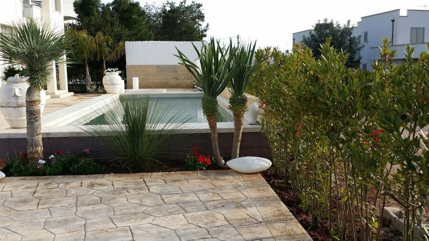 Scenic Puglia, 2 Bedroom Apt3, Pool, Sea-View