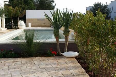Scenic Puglia, 2 Bedroom Apt3, Pool, Sea-View