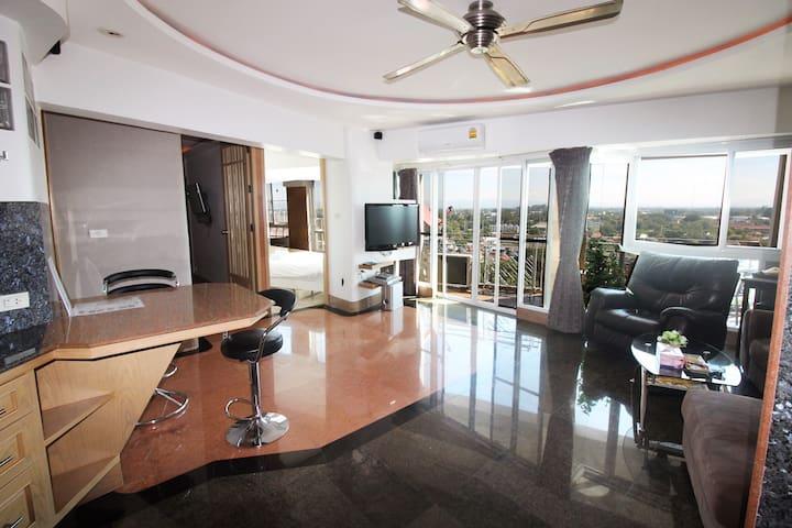 Spacious 13floor apartment, Night Bazaar Road! - Chiang Mai - Appartamento con trattamento alberghiero