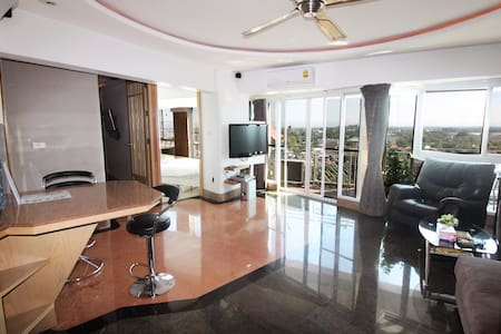 Spacious 13floor apartment, Night Bazaar Road! - Chiang Mai - Service appartement
