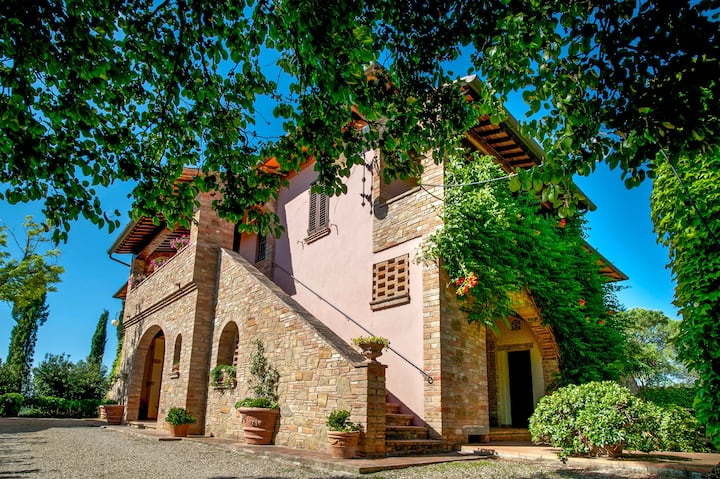 Majestic house in the farm (320m²)