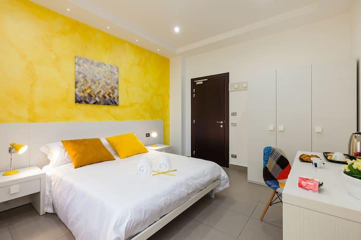 Miamò Exclusive - Yellow Room