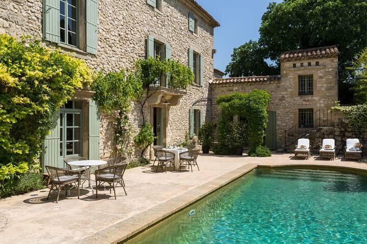 Le Mas de la Chapelle - Suite Divine Marquise -  Sainte-Anastasie - Aubarne - Bed & Breakfast