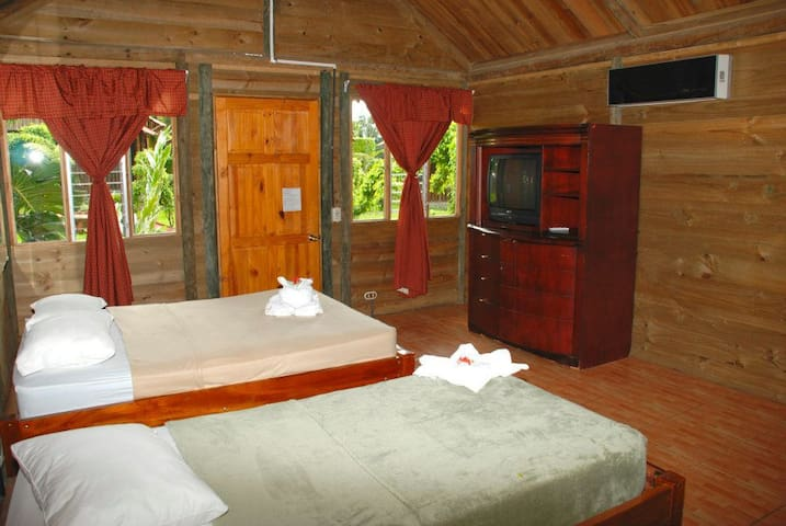 Room Close to the Waterfall and Arenal Volcano - La Fortuna - Bed & Breakfast