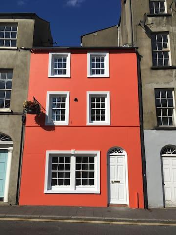 A distinctive little town house