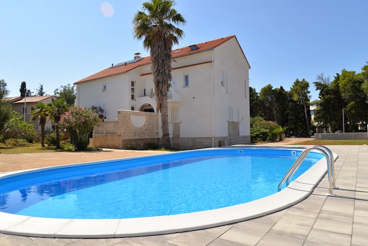 Villa Christina - room for 2 people with pool