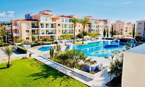 Elysia Park 2 bedroom apartment. Indoor pool