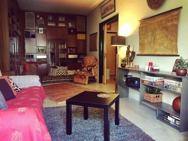 A pleasant,sunny,spacious apartment - Thessaloníki - Apartamento