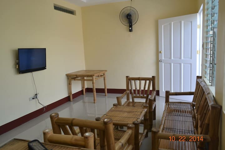Island Apartment, a walk away to Robinsons Mall... - Butuan City - Lägenhet