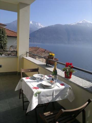 Breathtaking lake view close to  Menaggio - Provincia di Como - Appartamento