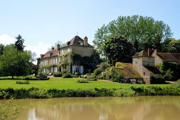 Preciosa mansión con estanque en Champvert