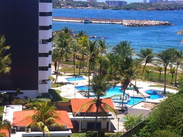 Amplio apartamento con espectacular vista al mar
